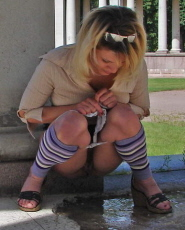 Preview Dirty Public Nudity - Blonde hottie doesnt need a comfort room just to pee