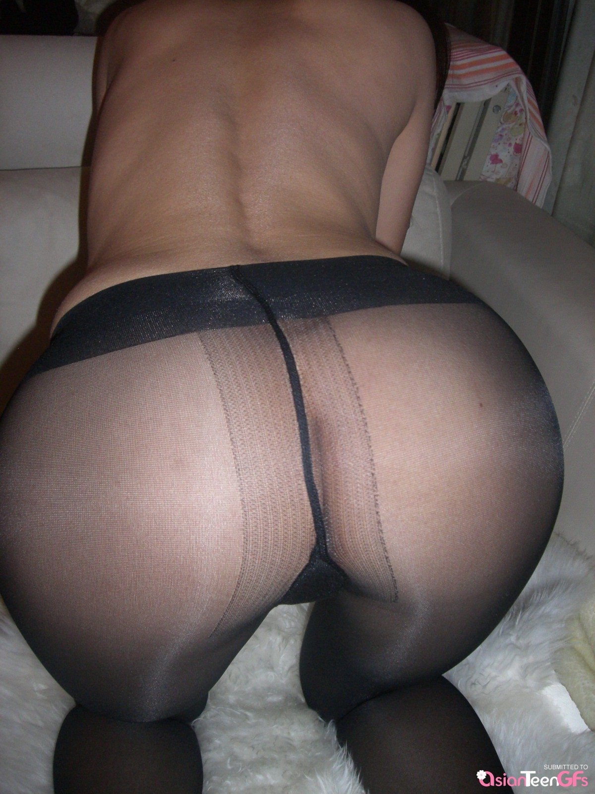 Brilliant In pantyhose show pussy with