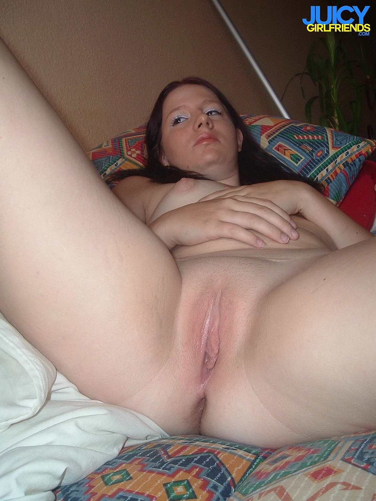 My girlfriends pussy is too tight