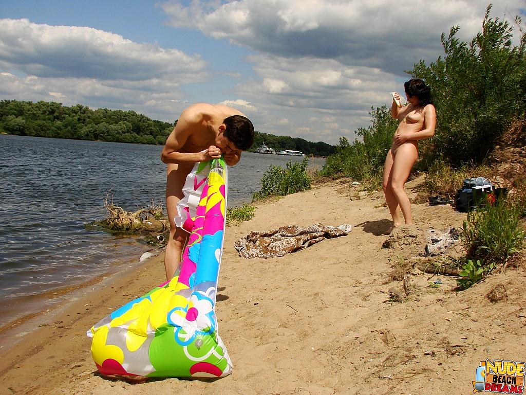 Taking a piss in the ocean - Beach Swingers