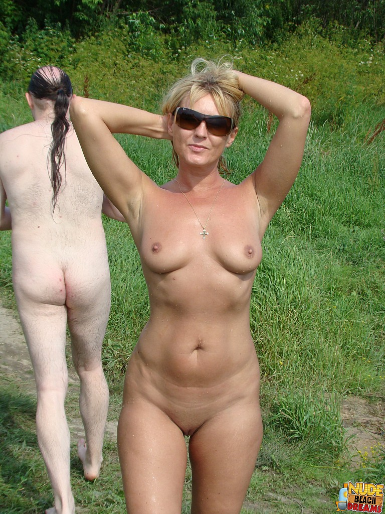 indian moms beach nudity