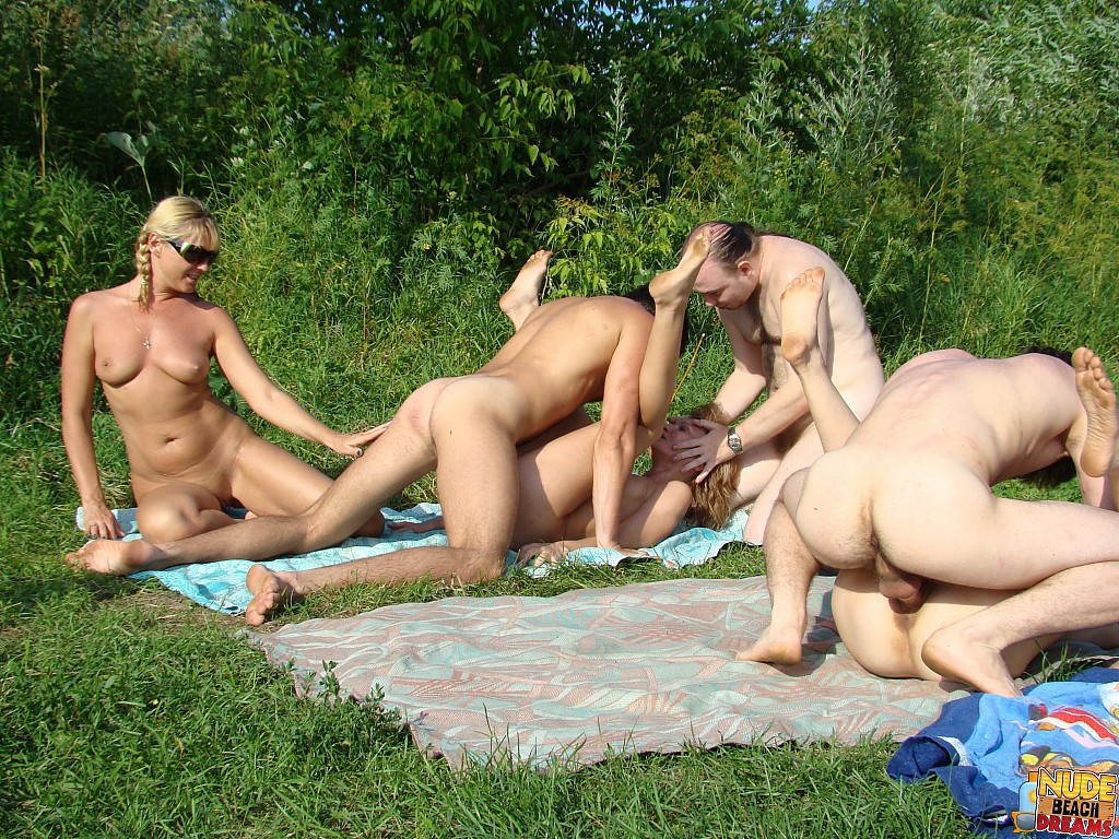 Nudist swingers pics