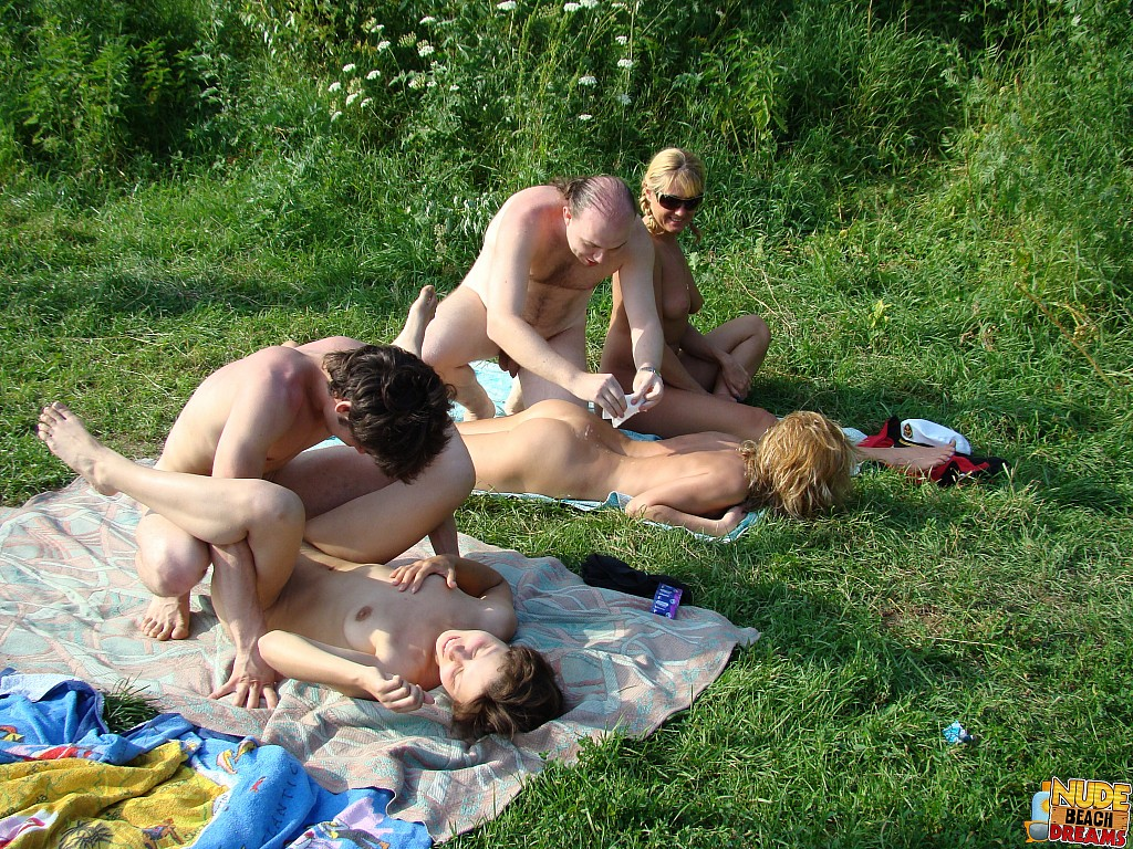 naked and horny couples on the beach