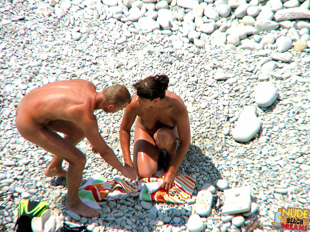 totally nude couple pics